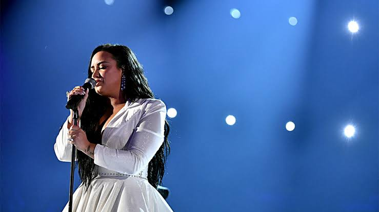 Demi Lovato Performs For The First Time After Drug Overdose