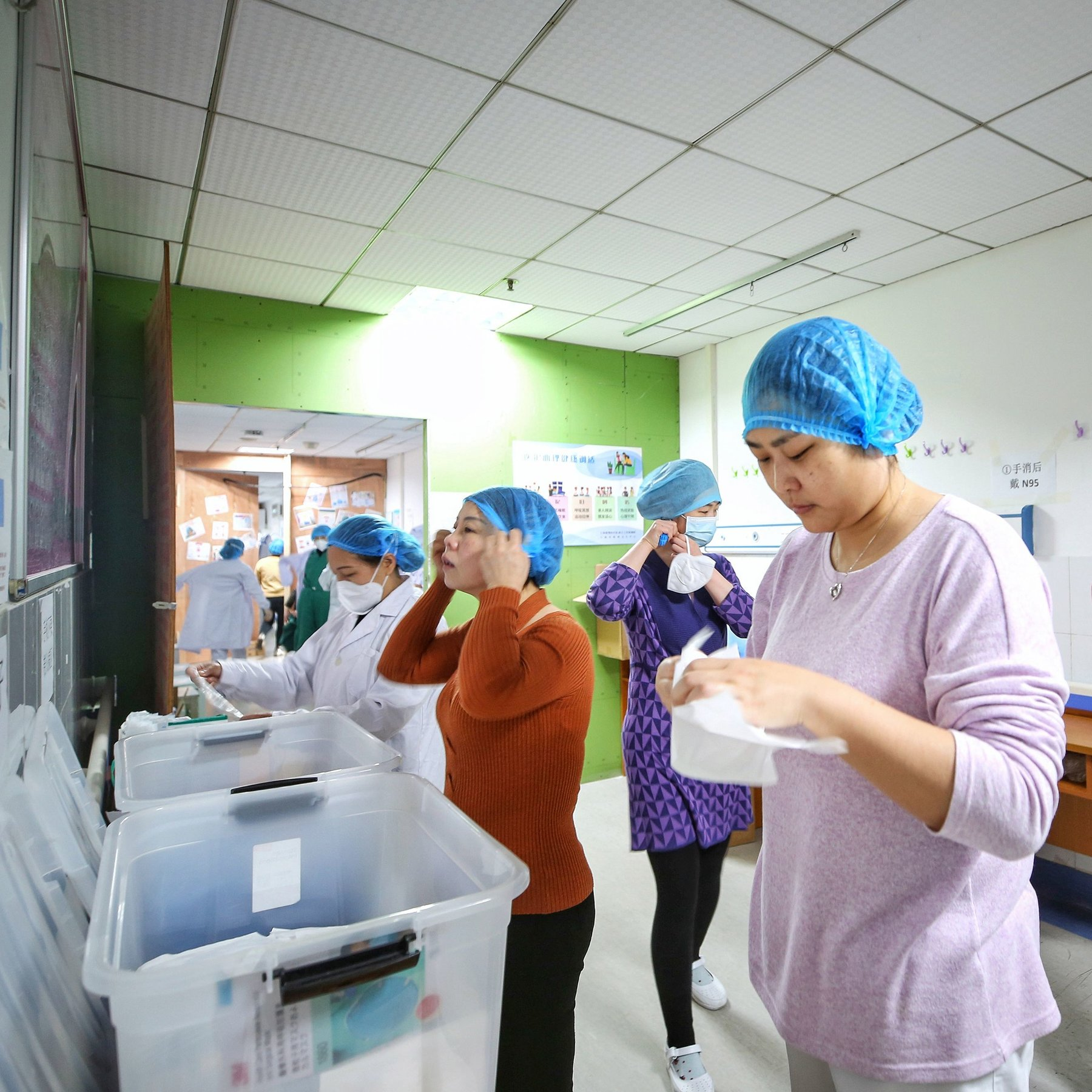 Coronavirus Update - Women Working At Low-Paying Jobs At The Highest Risk