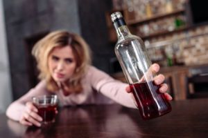 Women In Australia Experiencing Higher Increase In Alcohol Consumption During Pandemic Than Men