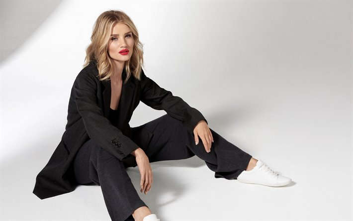 Rosie Huntington-Whiteley And Her Everyday Life